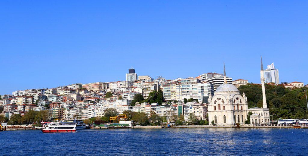 Ngắm khu sầm uất và hoa lệ bậc nhất của Istanbul dọc eo biển Bosphorus