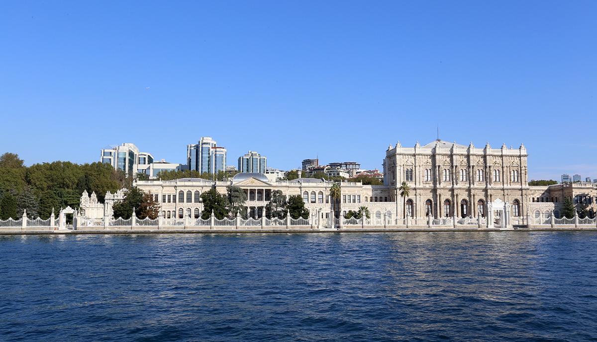 Ngắm khu sầm uất và hoa lệ bậc nhất của Istanbul dọc eo biển Bosphorus. Ảnh vnexpress