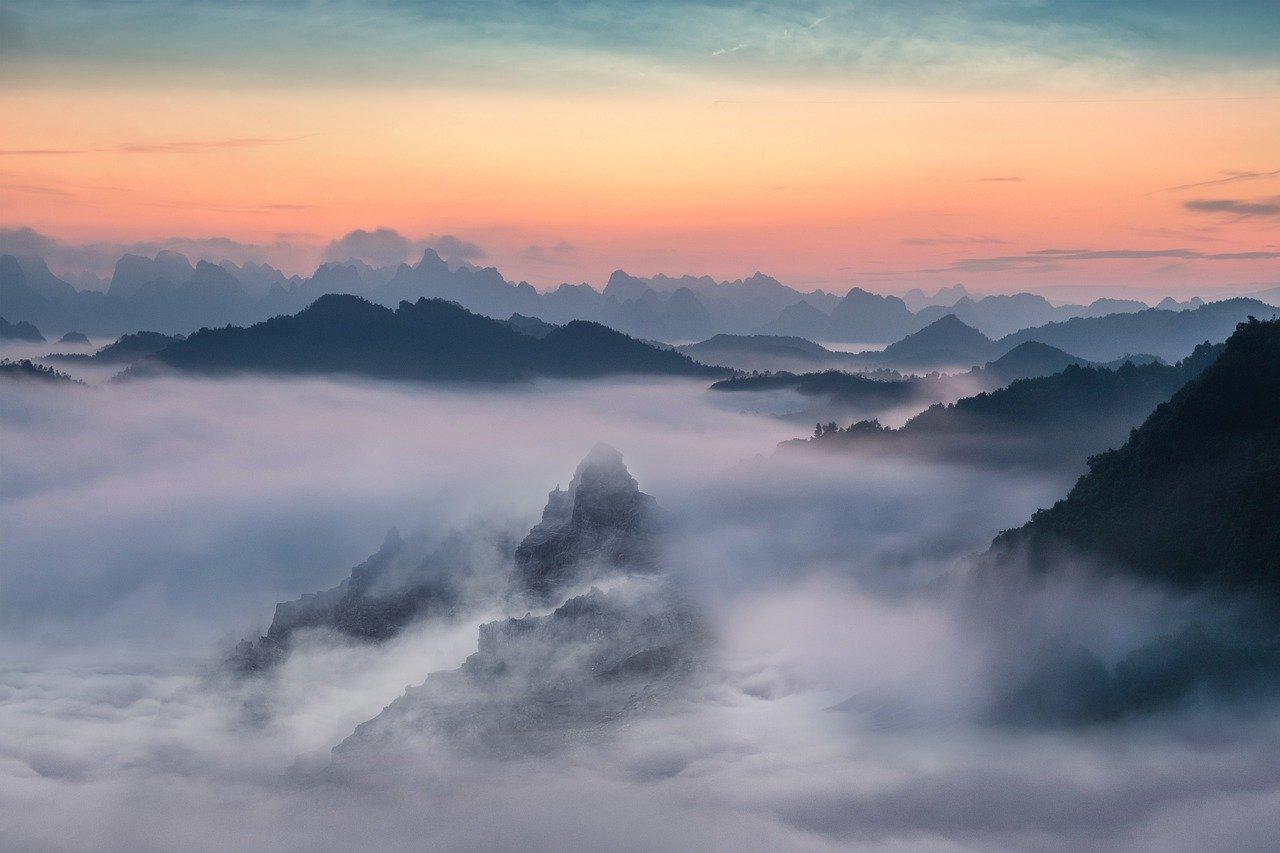 mây và núi