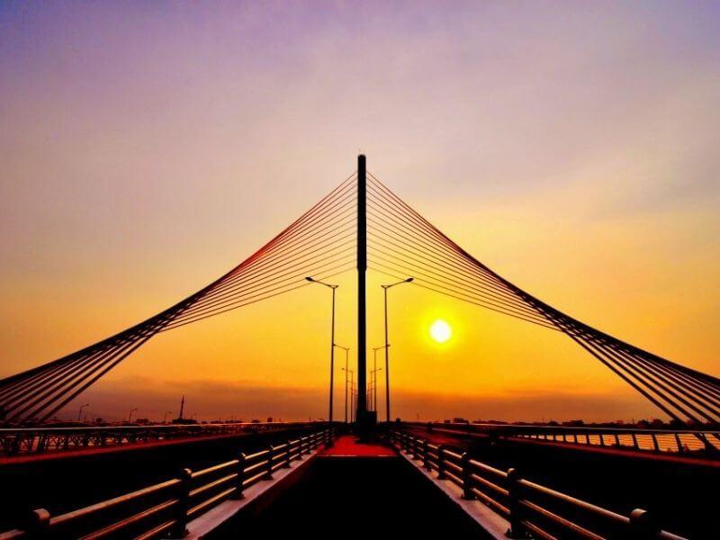 Cầu Trần Thị Lý huyền ảo